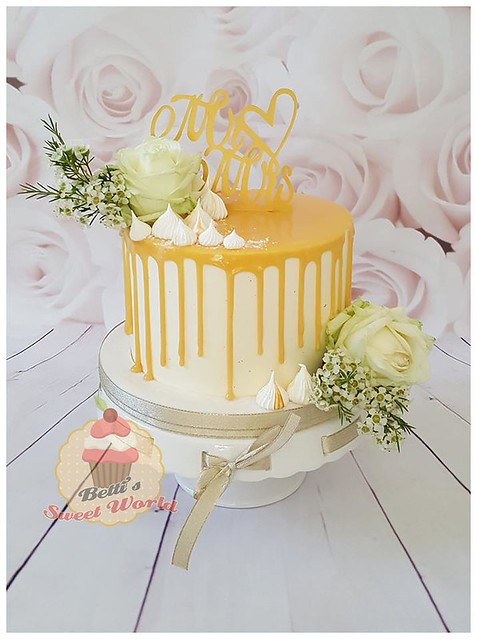 Wedding Drip Cake by Beata Mioduszewska of Betti's Sweet World