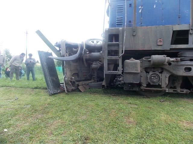 Choque Tren Camioneta