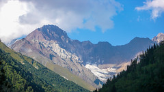 Tsana -widok na szczyt Curungal 3619m i Savi Ucnobi (Czernaja Nieznakomka) 4114m