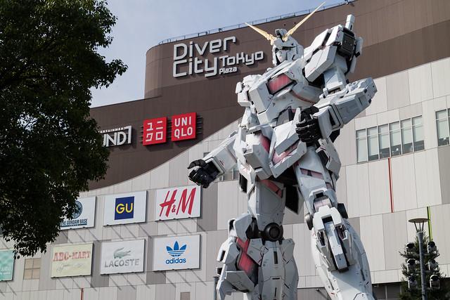 The Life-sized UNICORN GUNDAM Statue, Odaiba, Autumn 2017