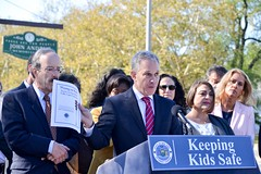 Wrong On Red: A.G. Schneiderman Releases New Report Detailing Red Light Camera Violations By School Buses