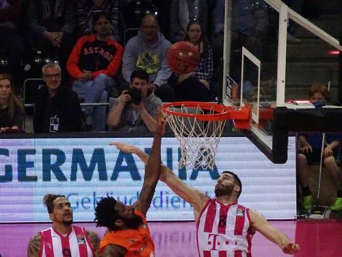 Telekom Baskets Bonn 84:91 Mitteldeutscher BC Weißenfels