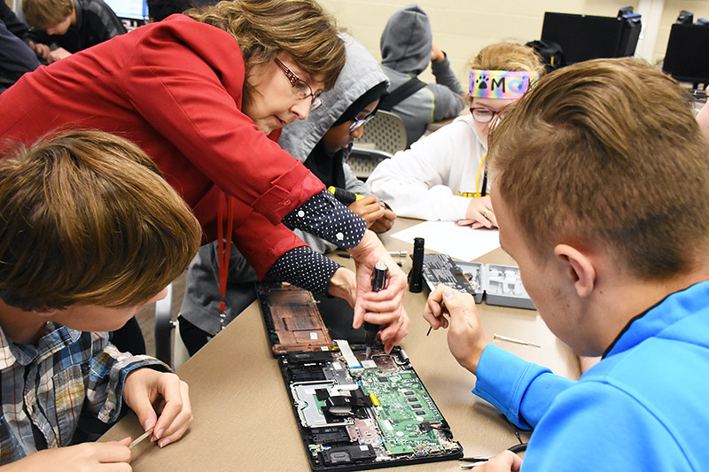 Chromebook Repair Training with Acer