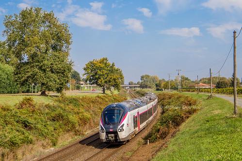 14 octobre 2017 B 85049 Train 3831 Nantes -> Bordeaux St-André-de-Cubzac (33)