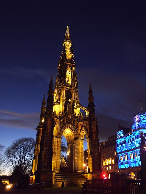 Scott Monument at dusk 02