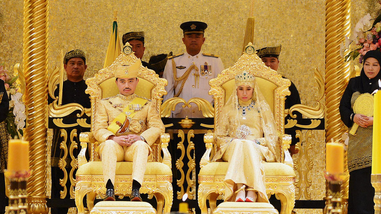 Meet The Super Rich Sulthan Of Brunei- The King Of Luxury!
