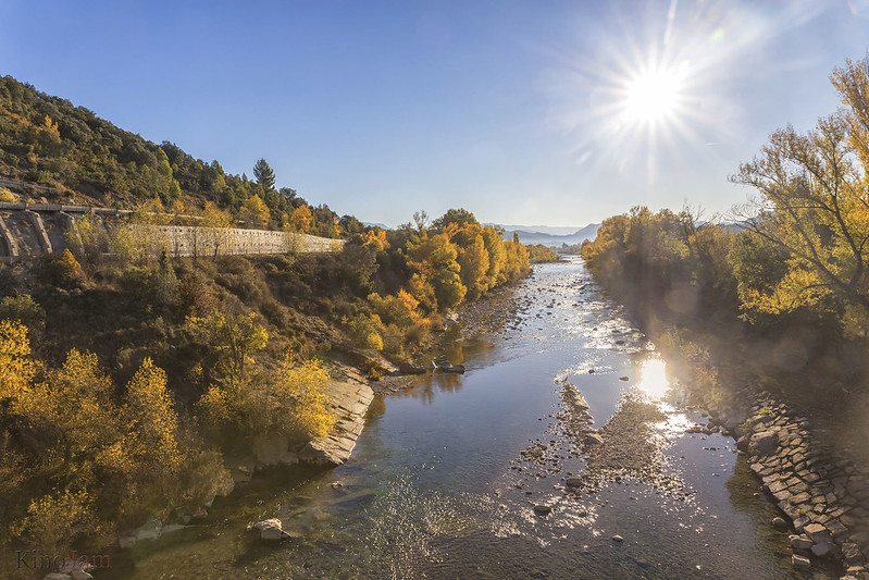 Río Ara a su paso por Boltaña