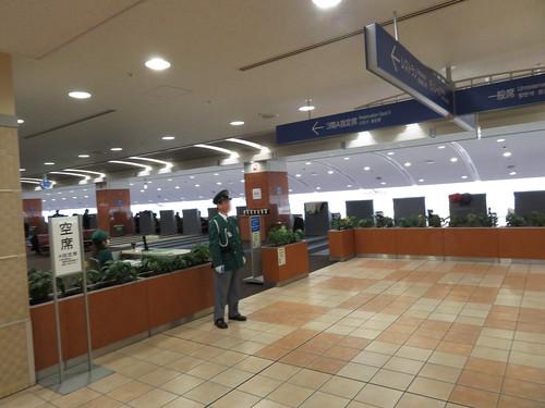 小倉競馬場の3階A指定席の入口