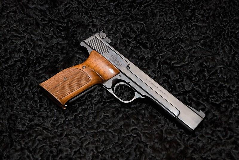 Quel Pistolet vous ferait plaisir! - Page 4 26423525689_75e6ab9b0d_c