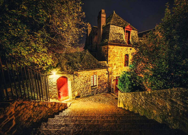 The Streets of Mont Saint Michel. Credit Trey Ratcliff, flickr