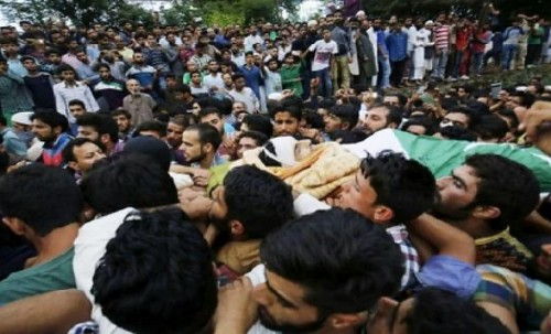 Indian Troops Martyr One Youth in Baramulla
