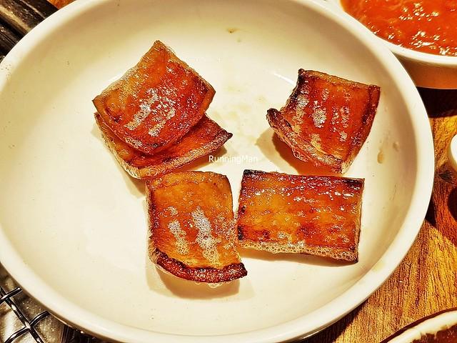 Gogigui / Barbecue - Dwaeji Ggupdaegi / Pig's Skin
