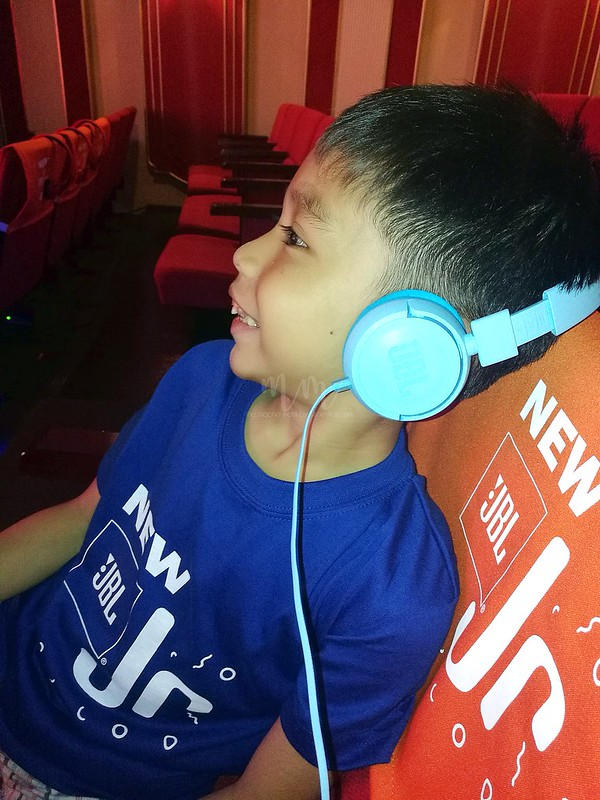 jbl-kids-headphones-2