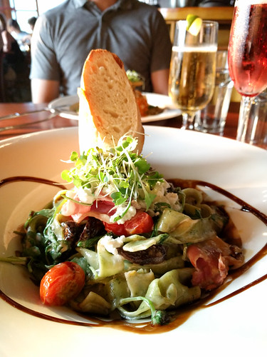 spinach fetticini with red-wine soaked figs, arugula, goat cheese and pancetta @ Truffle Pig