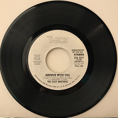 THE ISLEY BROTHERS:GROOVE WITH YOU(RECORD SIDE-A)