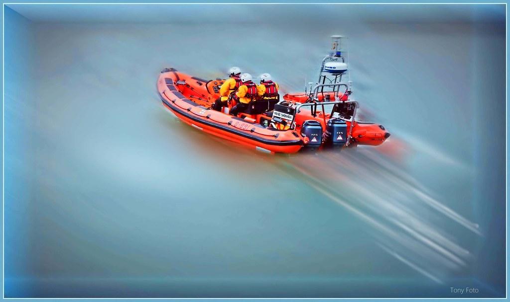 sea rescue - sauvetage en mer  - soccorso in mare - rescate de mar