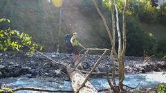 Droga do obozu 2 Marjanishvili. Przejscie przez rzekę.