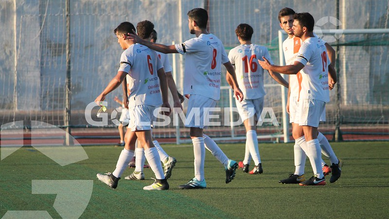 Universidad-Calpe (1-0) Fotos: J. A. Soler