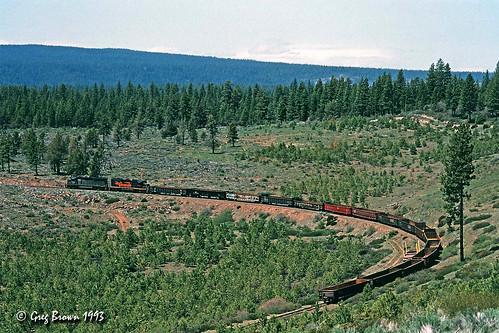 oregoncaliforniaeastern oce ocerailway oregon klamathcounty switchback trains railroads emd abandonedrailroad