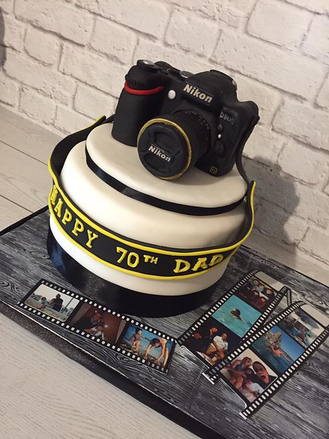 Photographer's Cake by Valentina Giove Cake Design