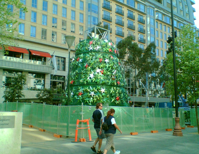 Building the Christmas tree in the City Square, October 2007