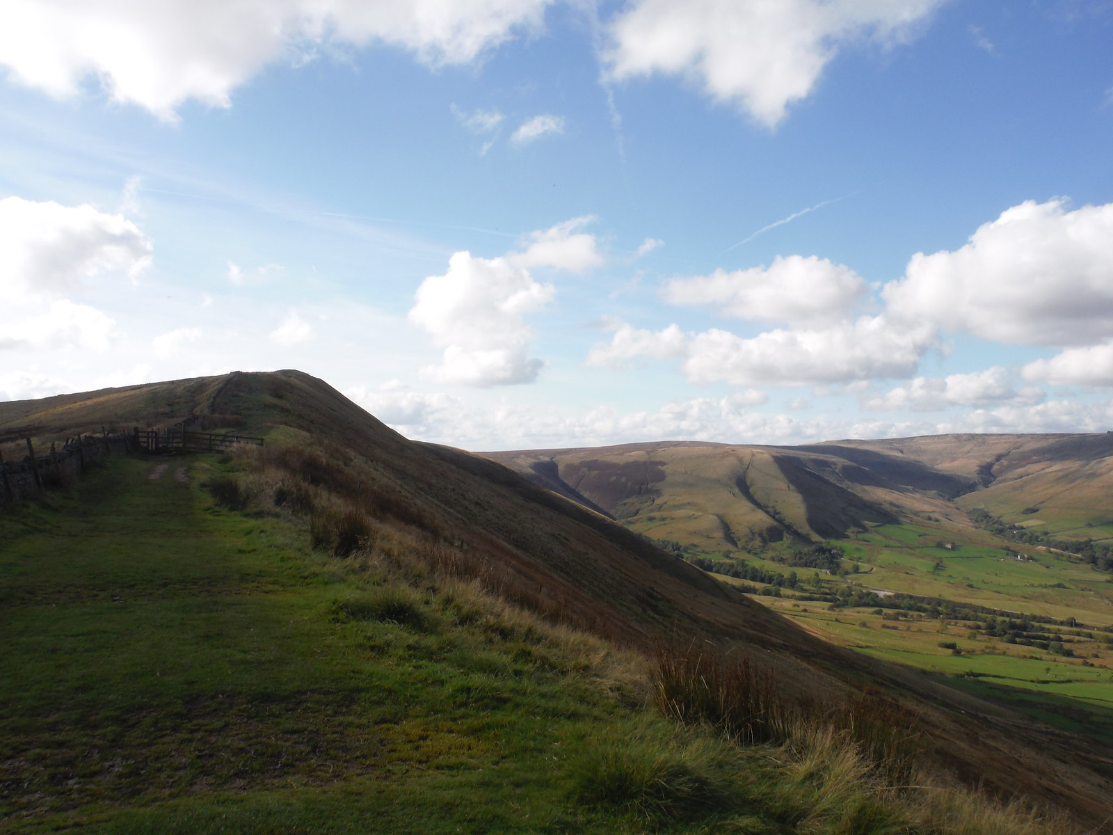 Lord's Seat and Edale Head SWC Walk 302 - Bamford to Edale (via Win Hill and Great Ridge)