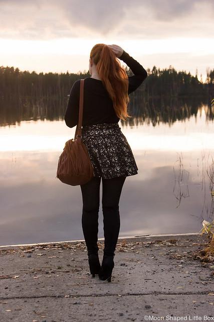 OOTD Päivän Asu Auringonlasku Hapsulaukku Ompelimo Rokita Esprit Paita Only Hame tyylibloggaaja muotibloggaaja