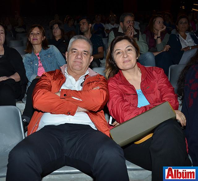 Devrim Kemal ve eşi de konseri dinlemeye