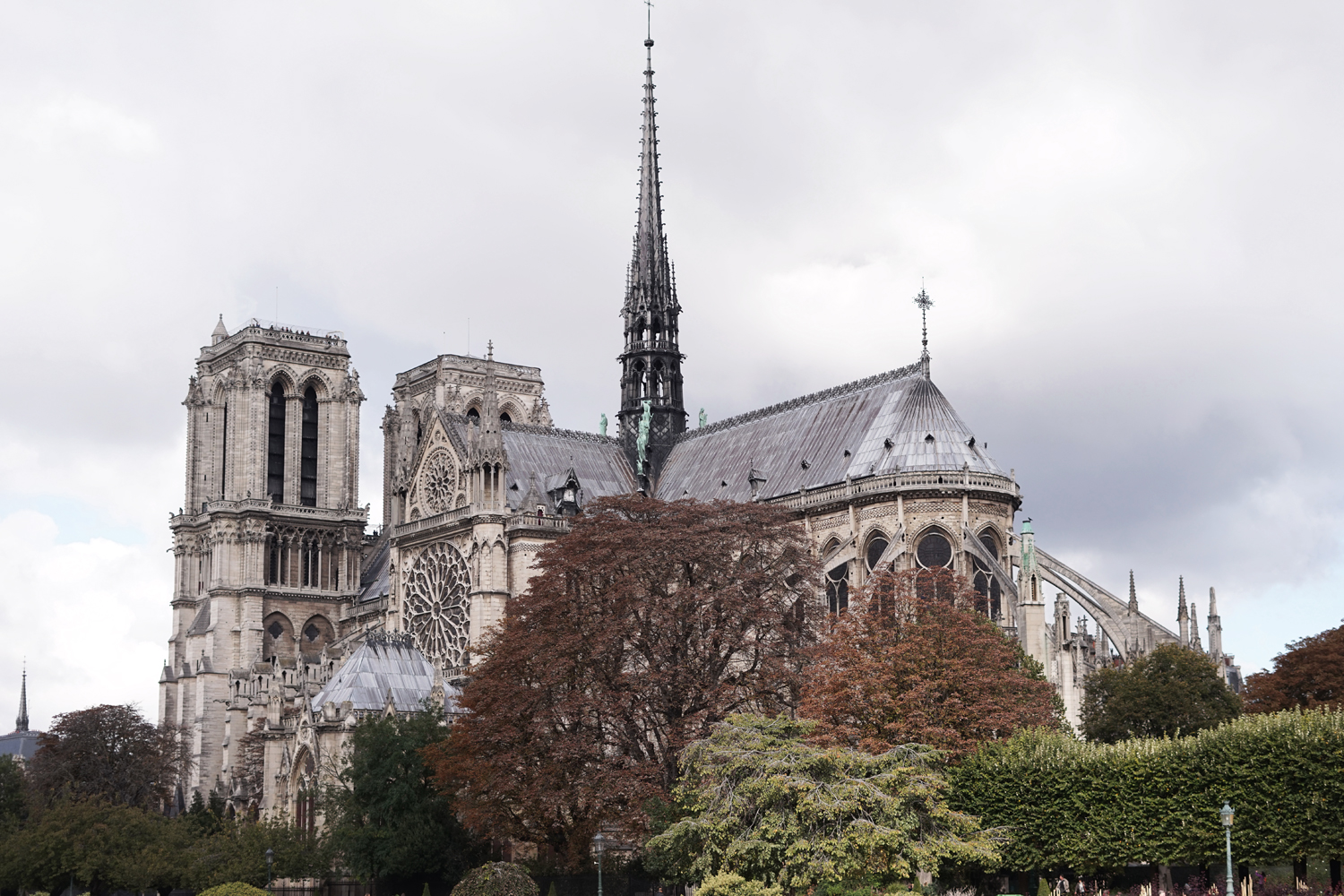 10paris-france-notredame-cathedral-travel