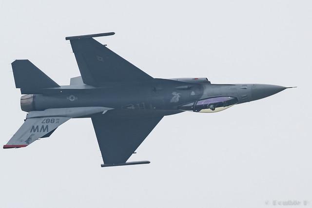JASDF Chitose AB Airshow 2017 (65) PACAF F-16C - 92-887