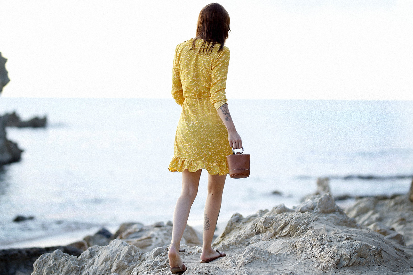 vila yellow mustard polka dot dress mallorca holiday beach sunrise moody style fashionblogger cats & dogs modeblog ricarda schernus fotograf max bechmann düsseldorf travelbloggers roamers 4