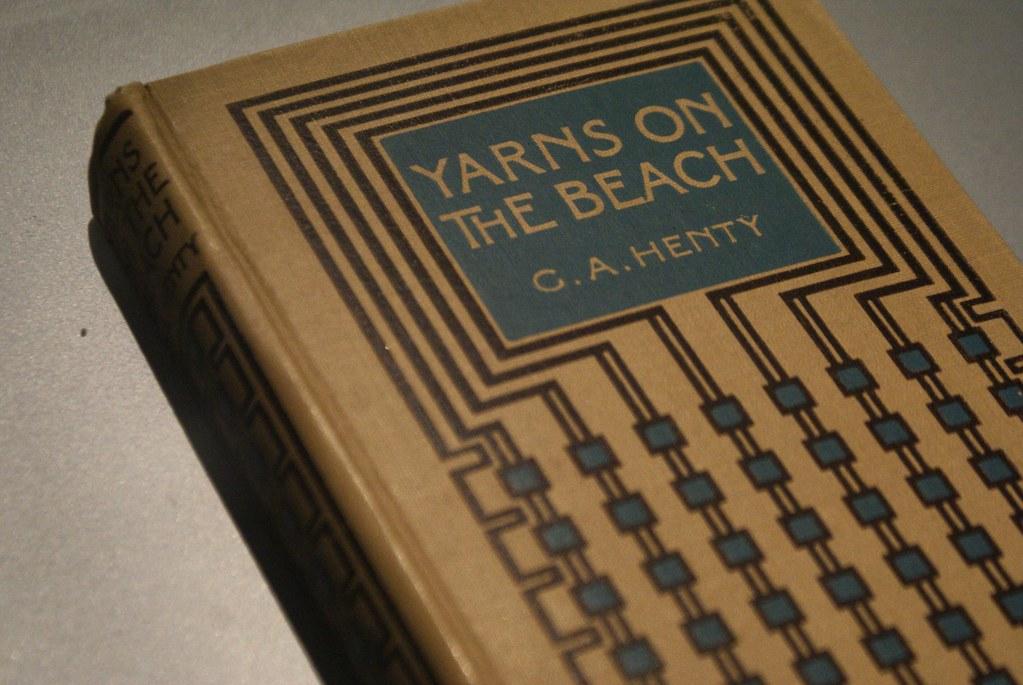 Couverture de livre réalisé (?) ou inspiré par Mackintosh au musée Mackintosh de Glasgow.