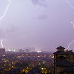 2. Juuli 2017 - 19:12 - Double coups de foudre proches - Close double lightning stricke - 02/07/2017 - Hangzhou (China)
