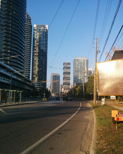 Towers of Humber Bay Shores #toronto #humberbayshores #lakeshoreblvd #condos #tower