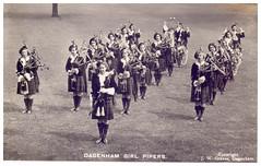 Dagenham Girl Pipers.