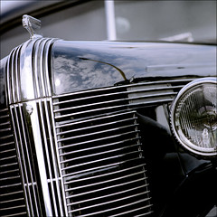# 0140 . pontiac de luxe six coupe