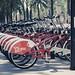 Captura realizada en una estación de Bicing próxima a Arc de Triomf en Barcelona. Con este encuadre he querido jugar con la perspectiva que crean las bicicletas aparcadas en la estación de Bicing.