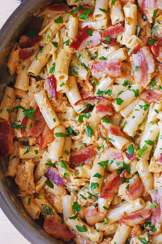 easy bacon pasta, chicken and bacon pasta, creamy bacon pasta, creamy chicken pasta