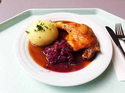 Braised duck leg with potato dumpling & red cabbage / Geschmorte Entenkeule mit Kartoffelknödel & Blaukraut