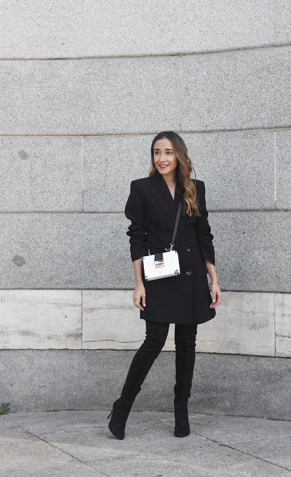 Black Blazer dress over the knee boots outfit uterqüe fashion style outfit autumn05