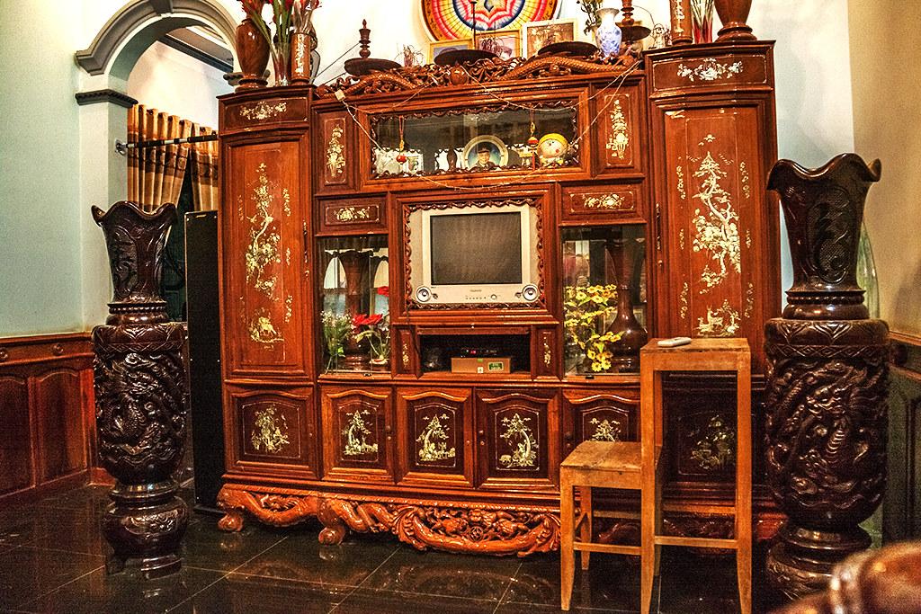 Cabinet altar piece--Ea Kly 2