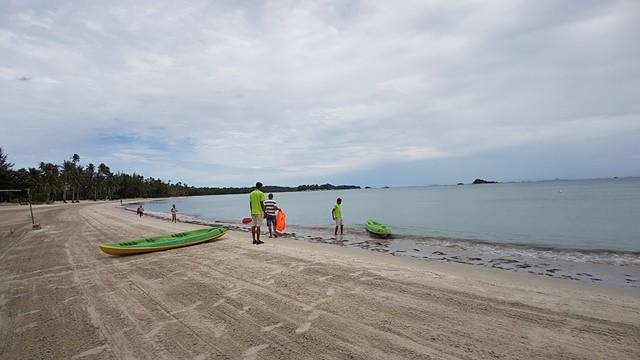 pantai di pulau bintan