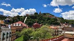 #Guanajuato listo para el Festival #Cervantino. Vista al #Pípila desde el Jardín Unión.