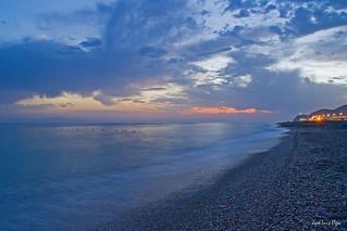 Playa de Carchuna al atardecer. Carchuna beach at dusk.