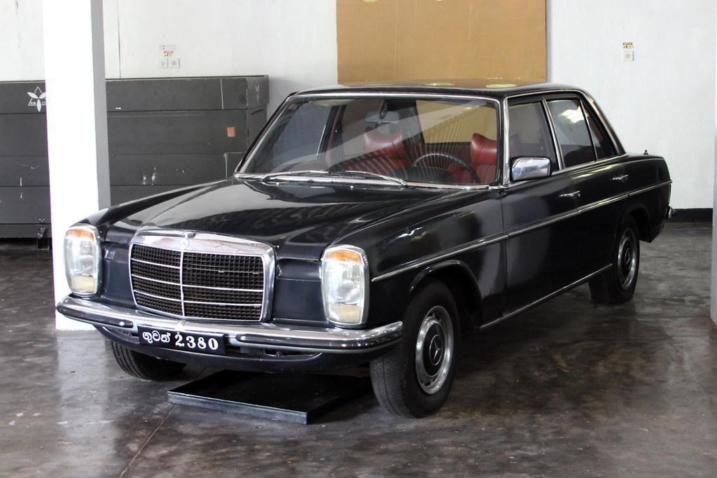 Mersedes-Benz W114