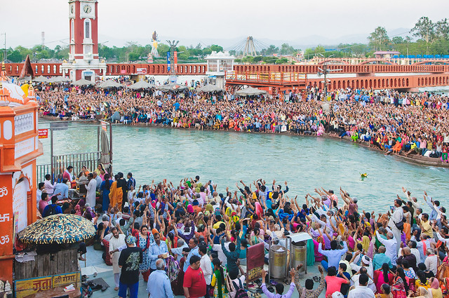 Evening prayer (Aarti) at Haridwar