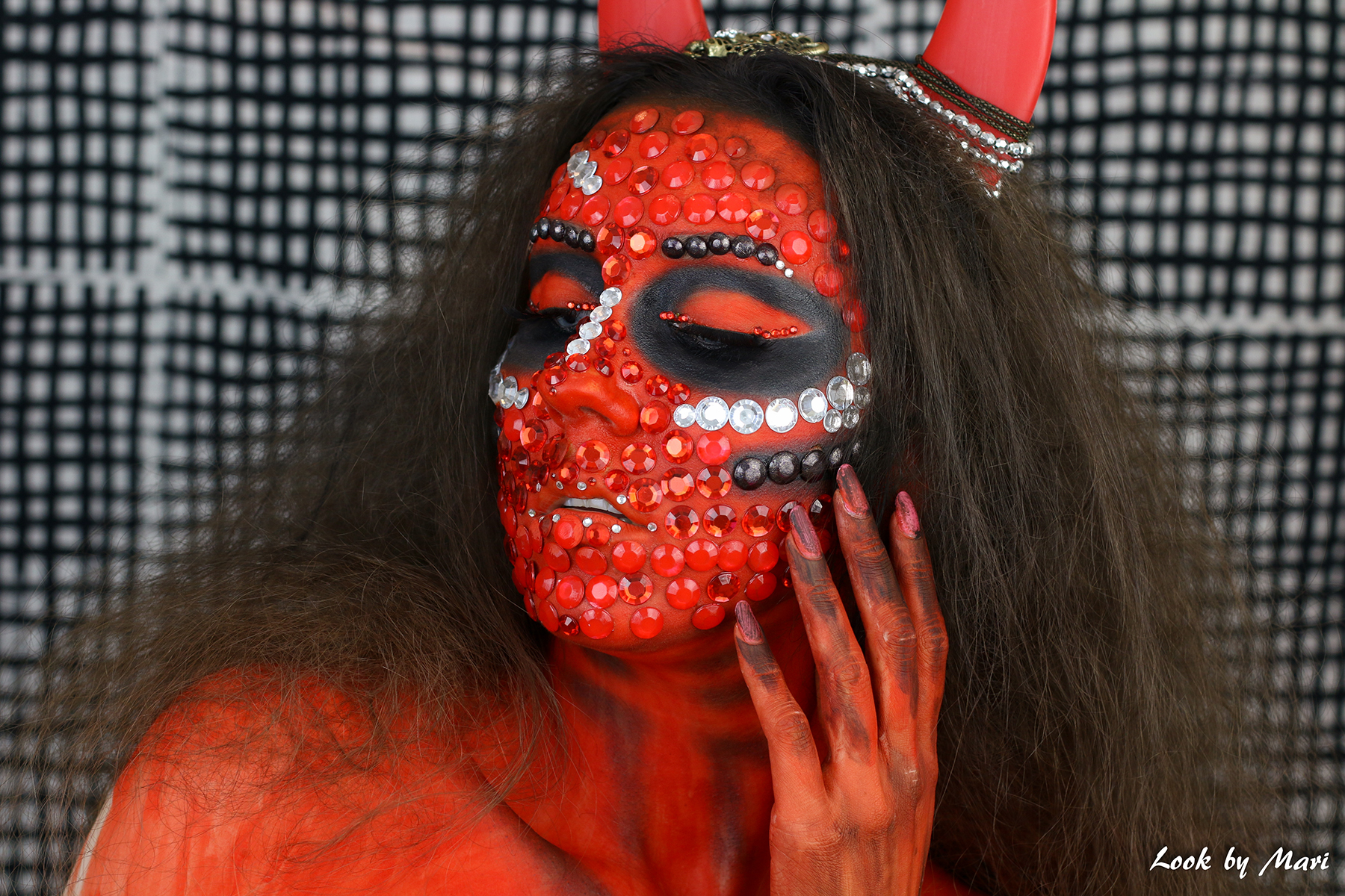 2 devil evil makeup red tutorial inspo ideas inspiration blog youtube video red glittery