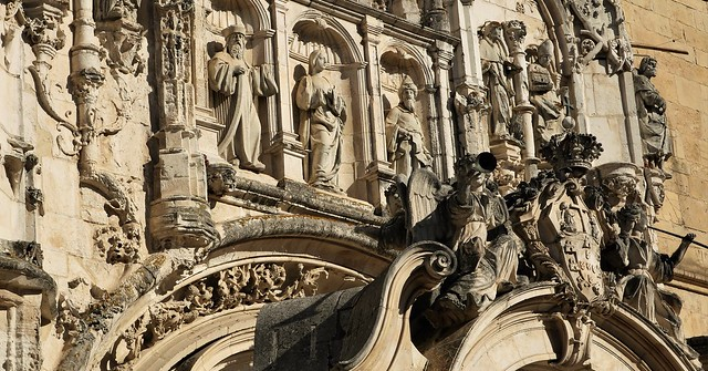 Manueline portal of Coimbra's Santa Cruz church (16th century)