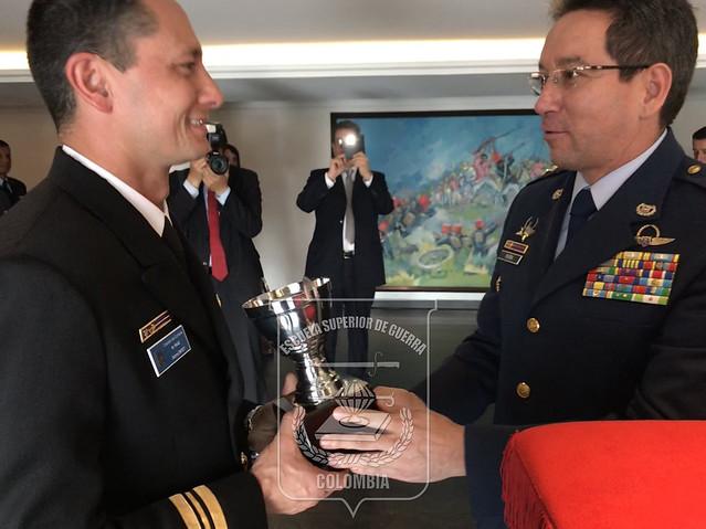 Clausura Curso de Información Militar 2017