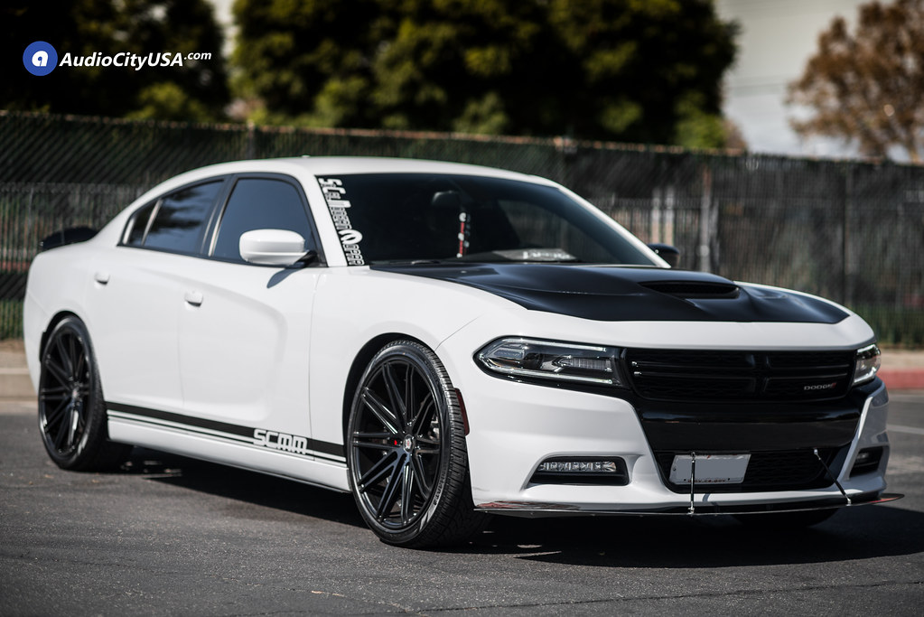 2015 Dodge Charger 22x9 5 Sevizia Wheels Se429 Satin